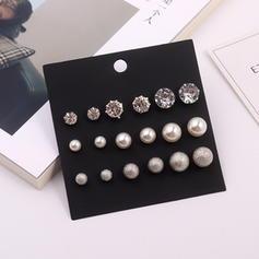 Unique Alliage Strass De faux pearl avec Perle d'imitation Strass Femmes Boucles d'oreilles (Lot de 9)