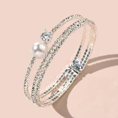 Brillant Élégante Alliage Strass De faux pearl avec Strass De faux pearl Bracelets