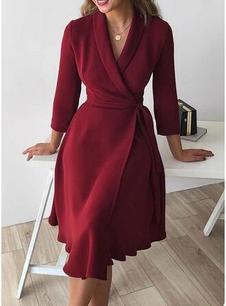 Couleur Unie Manches 3/4 Trapèze Longueur Genou Petites Robes Noires/Élégante Portefeuille/Patineuse Robes