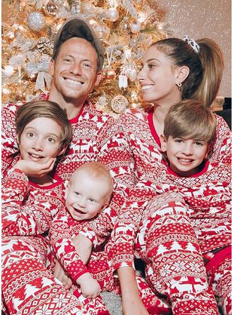 Inmprimé Correspondant à Tenue Familiale Assortie Pyjama De Noël