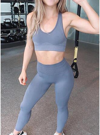 Fines Bretelles Col en U Sans Manches Couleur unie Leggings de sport Soutiens-gorge de sport Ensembles de yoga