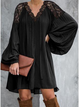 Dentelle/Couleur Unie Manches Longues Droite Au-dessus Du Genou Petites Robes Noires/Élégante Tunique Robes