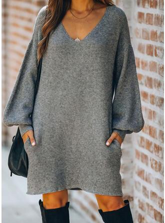 Couleur Unie Manches Longues/Manches Lanternes Droite Longueur Genou Petites Robes Noires/Décontractée Pull Robes
